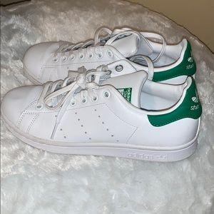 Adidas (Stan Smith)